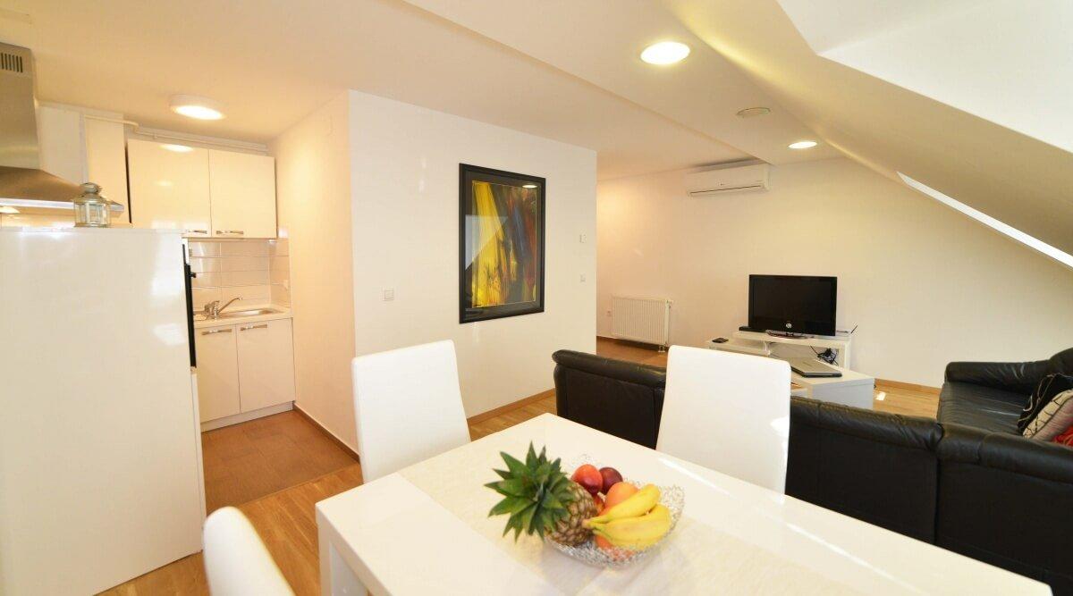 Jednosoban apartman Lea u Preradovićevoj ulici